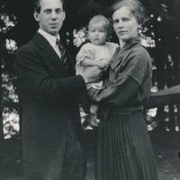 Agne Schantz med hustru Anna och dottern Elisabeth.jpg